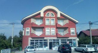 Stambeno – poslovni objekat 850 m2 – Trn