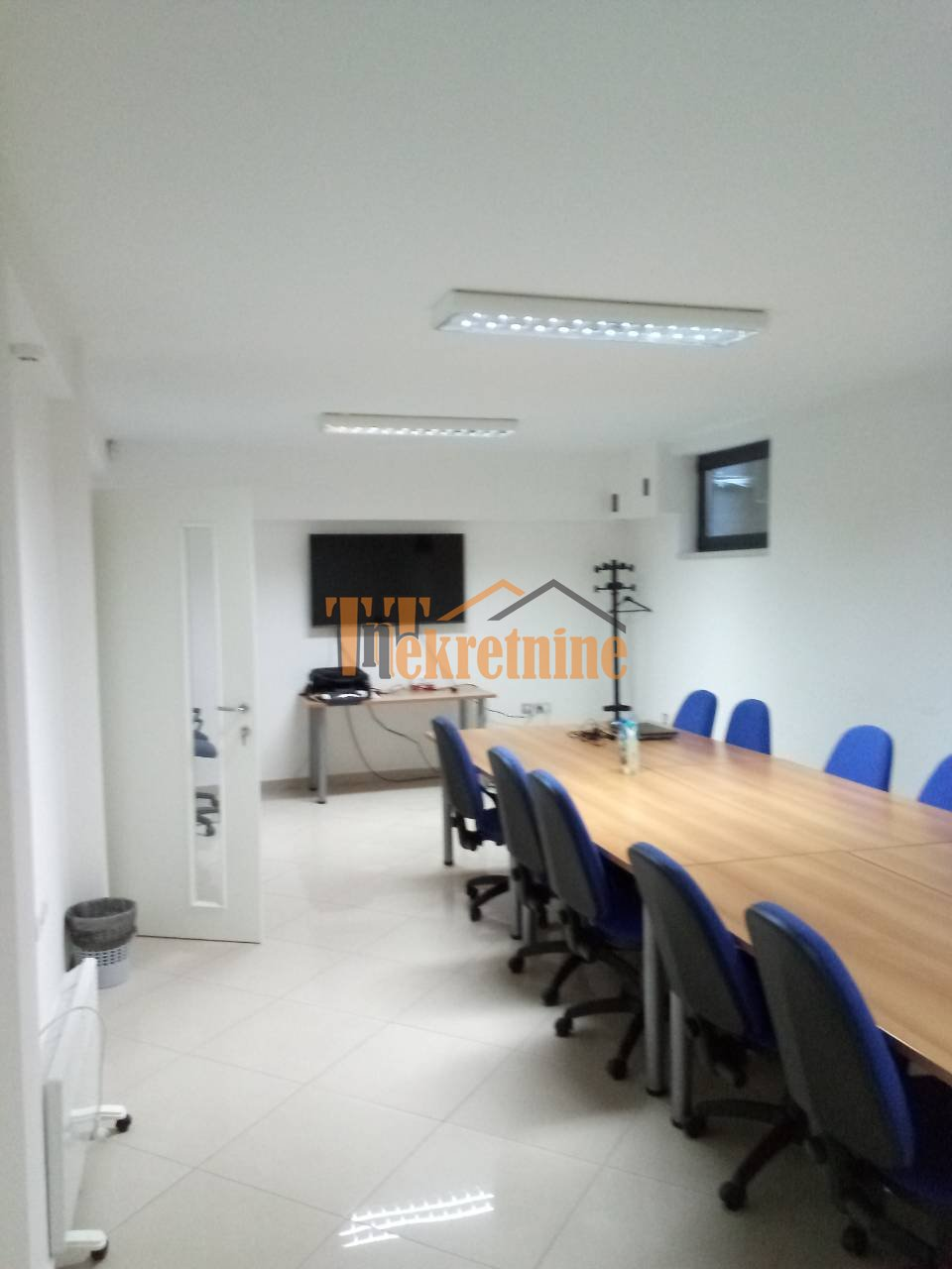 Poslovni prostor 235 m2 – Borik
