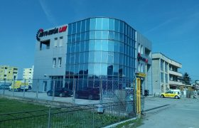 Poslovni objekat 1150 m2 i placa 4500 m2 – Budžak