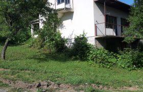Kuća 100 m2 i placa 1300 m2 – Motike