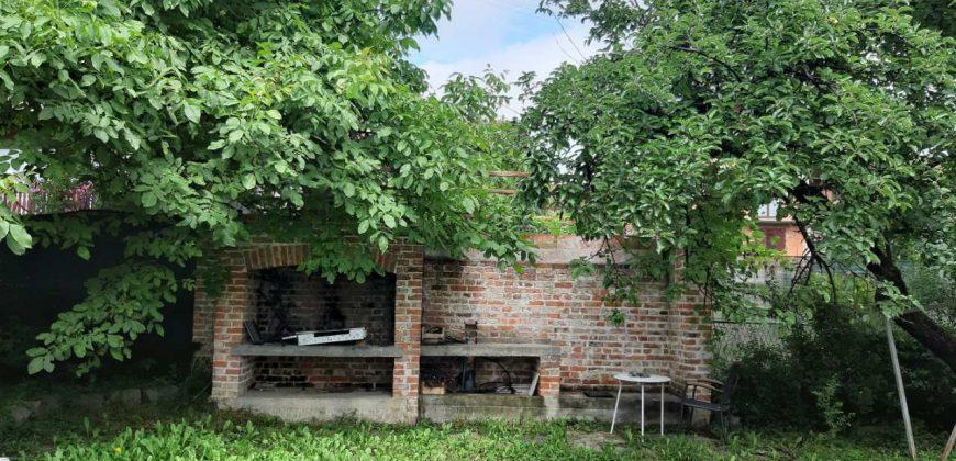 Ekskluzivna kuća 310 m2 i placa 500 m2 – Naselje Mjesec
