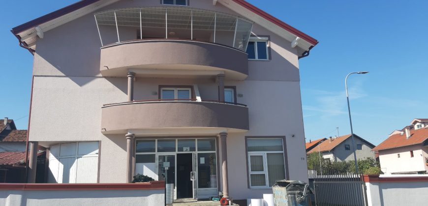 Stambeno – poslovni objekat 500 m2 – Petrićevac