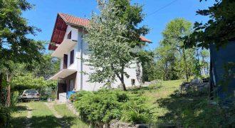 Vikend kuća120 m2 – Saračica