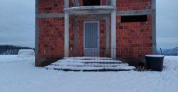 Kuća 100 m2 i placa 4205 m2 – Gornja Česma